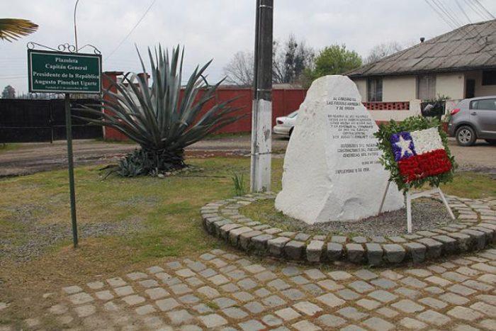 Organizaciones sociales del Maule piden cambiar nombre a plaza Augusto Pinochet en Linares