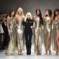 Cinco de las más famosas top model de los 90 vuelven a la pasarela en homenaje a Versace
