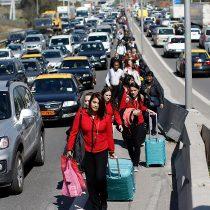Muere turista brasileño que intentó llegar a pie al aeropuerto para sortear bloqueo de taxistas