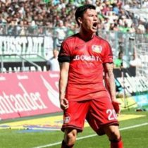 [VIDEO] Charles Aránguiz anota un golazo en victoria parcial del Bayer Leverkusen