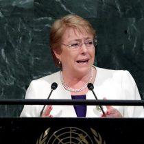 Bachelet se sube al carro de la agenda ambiental y anuncia proyecto que prohíbe uso de bolsas plásticas en todo el país