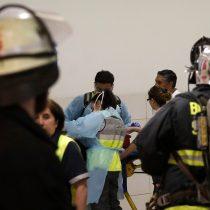 Joven trabajadora del Costanera Center se suicida ingiriendo cianuro y desata emergencia química