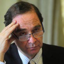 Ministro Larraín condena agresiones a ecuatorianos imputados por asesinato: