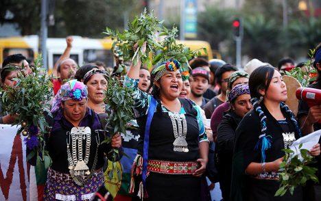 Violencia hacia la mujer mapuche y de pueblos originarios - El ...