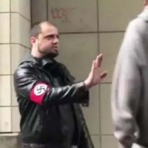 [VIDEO] Joven nazi es noqueado por afroamericano tras persecución hecha a través de Twitter