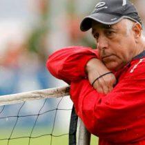 Mal de Alzheimer obliga a Nelson Acosta a retirarse del fútbol