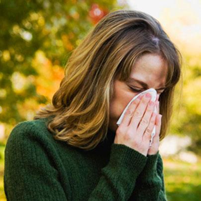 ¿Sabías que la alergia estacional también puede ser emocional? Mira cómo la acupuntura ayuda a sanarla
