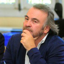 Pepe Auth dijo que renunciaría a la mesa de la Cámara si la mayoría de diputados se lo pide