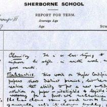 El pésimo boletín de notas del matemático Alan Turing que revela que ningún profesor sospechaba que era un genio