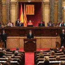 Cae el euro y la Bolsa española se desploma 1,45 % tras declaración de independencia en Cataluña