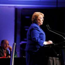 Bachelet asume protagonismo y se despide de Enade con una férrea defensa de su legado ante su audiencia más difícil