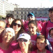 Cáncer de mama: Familiar Corrida por la Vida tiñó de rosado La Moneda