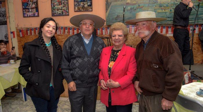 Consejo de la Cultura reconoce a cantora de 15 años como una de las nuevas Tesoros Humanos Vivos de Chile