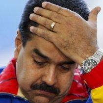 EE.UU. presiona a Maduro y bloquea sistema financiero a Venezuela
