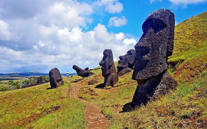 La polémica ordenanza de Isla de Pascua que enfrenta al alcalde y los empresarios turísticos