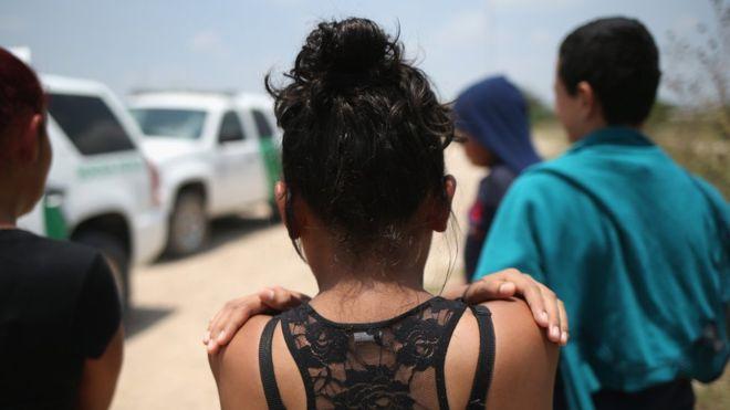 """""""Esto es entre Dios y yo"""", el mensaje de la menor inmigrante a la que el gobierno de Trump intentó impedir abortar"""