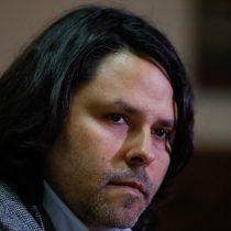 Polémica de Alberto Mayol con el Frente Amplio llega a tribunales