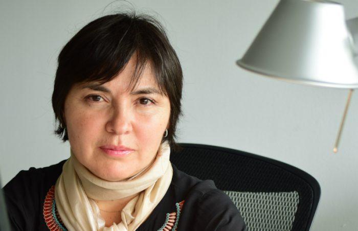 """Alejandra Matus derrumba discurso de las AFP: """"El mayor mito de todos es creer que, si has cotizado en forma estable, vas a tener una buena pensión"""""""