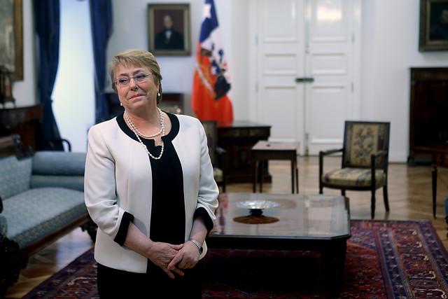 Presidenta Bachelet nombra nuevos embajadores en Argelia y España