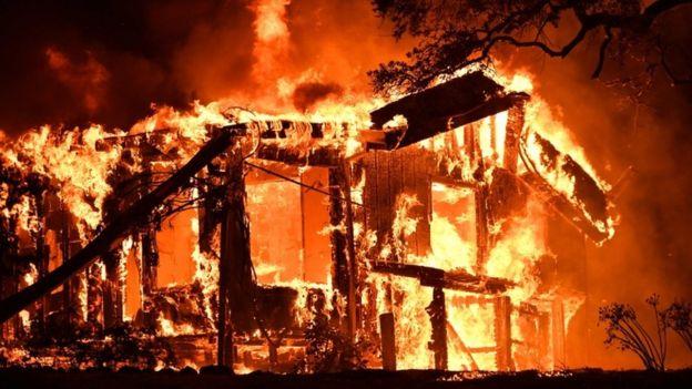 casa-incendiandose.png