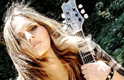 """Cler Canifrú: """"Una mujer que elija hacer rock es más rockera que un chascón con chaqueta de cuero que escuche Metallica"""""""