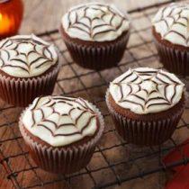 [VIDEO] Receta Fácil especial Halloween: Te enseñamos a preparar unos exquisitos cupcakes de chocolate