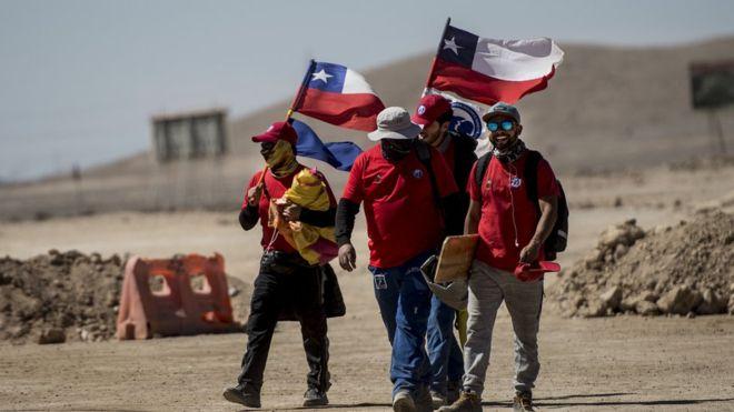 Paro en minera Escondida podría ser una amenaza al repunte: sindicato paralizó faena en protesta por los masivos despidos de este miércoles