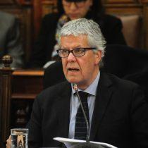 Sector público baja paro nacional del martes tras señal de acercamiento de Eyzaguirre para negociar reajuste