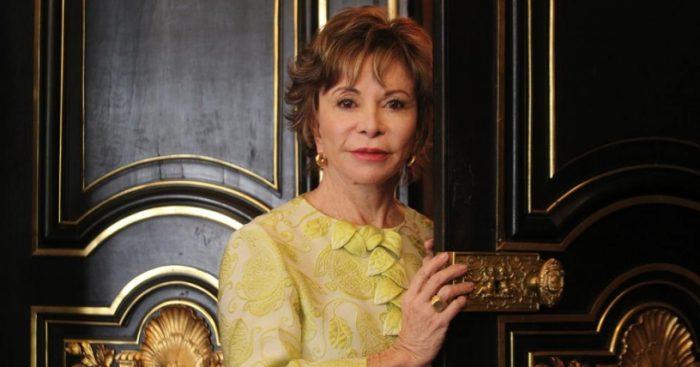 Isabel Allende: «Trump es muy peligroso» y podría llevar a la guerra a EE.UU.