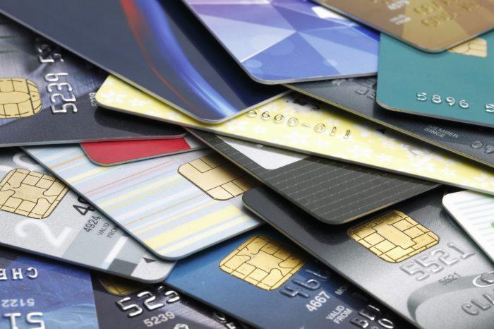 Banco Central enciende la alarma sobre los niveles de deuda de consumidores