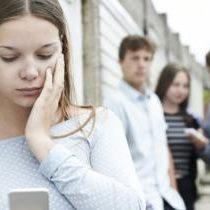 ¿Qué deben hacer los padres cuando acosan por internet a su hijo?