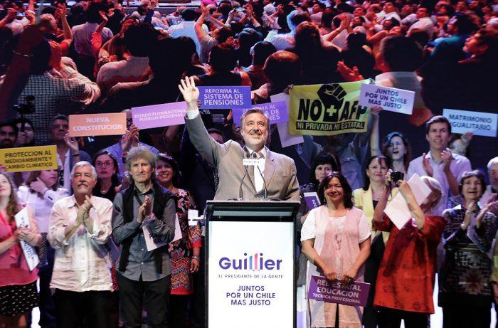 El dilema de Guillier: cómo lograr apoyo de sectores del empresariado sin alienar al Frente Amplio