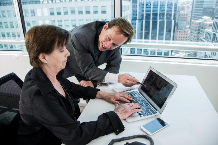 Nace portal de trabajo para adultos mayores