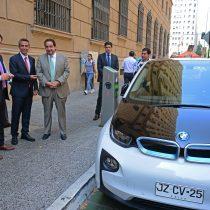 Nuevo automóvil oficial del Ministerio de Energía es eléctrico