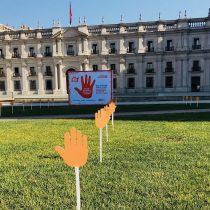 Más de 300 manos en La Plaza de la Ciudadanía dicen No a la violencia contra las mujeres