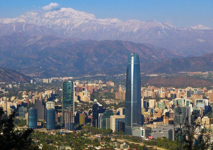 """Experto en cambio climático se refiere a la crisis de agua potable en las ciudades: """"La gente se va a empezar a ir de Santiago, de hecho ya hay gente que está comprando afuera"""""""