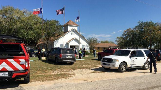 Tiroteo en una iglesia en Texas deja 26 muertos y decenas de heridos