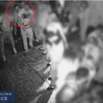 [VIDEO] Revelan imágenes de cámara de vigilancia que captó ataque con ácido en un club nocturno de Londres