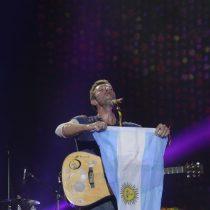 [VIDEO] Coldplay rinde homenaje a Soda Stereo en su paso por Argentina y enloquece al público con