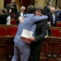 Puigdemont queda en libertad bajo medidas cautelares a la espera que decida su entrega a España