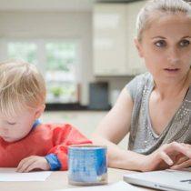 El trabajo a tiempo parcial es cinco veces más común entre las mujeres