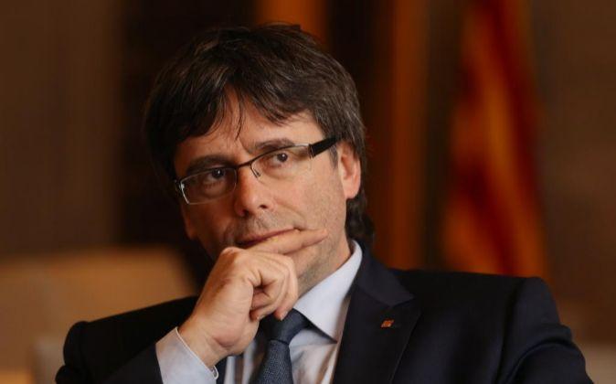 Justicia española ordena captura internacional de Puigdemont