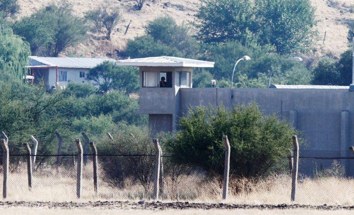 Dos funcionarios del penal de Punta Peuco dieron positivo al test de coronavirus
