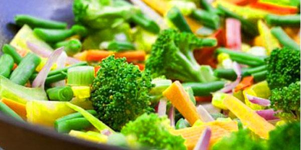 Colegio de Nutricionistas apoya la adherencia a dietas veganas, vegetarianas, con evidencia científica y seguidas por un profesional