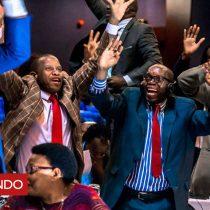 [VIDEO] La reacción de júbilo en el parlamento de Zimbabue ante el anuncio de la renuncia de Robert Mugabe