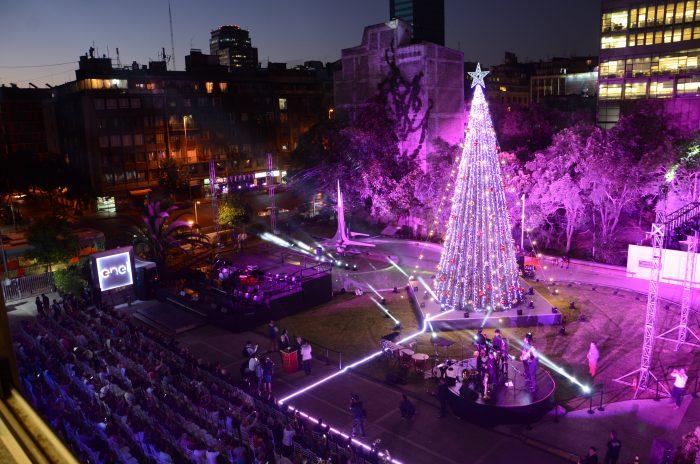 Enel Chile enciende primer árbol de Navidad iluminado 100% con energía renovable