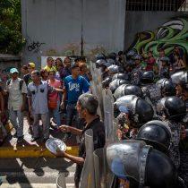 [VIDEO] Continúan en Venezuela las protestas por falta de comida y otras carencias