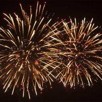 Pirotecnia, música y baile para comenzar el nuevo año