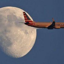 American Airlines echó de un vuelo a dos  afroamericanos a quienes culpó erróneamente de robar frazadas: tras presión aerolínea pidió disculpas