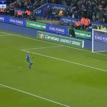[VIDEO] Claudio Bravo se viste de héroe y ataja 2 penales en la clasificación del Manchester City